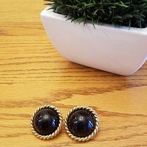 Vintage clip on earrings | Eduardo Rambaud Paris